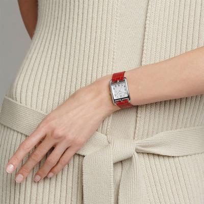 Bague Classique Or blanc Saphir bleu Diamants blancs